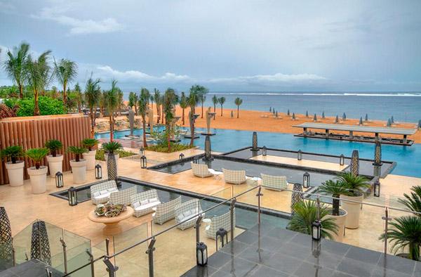 Лучшее предложение от отеля Mulia Resort 5*!