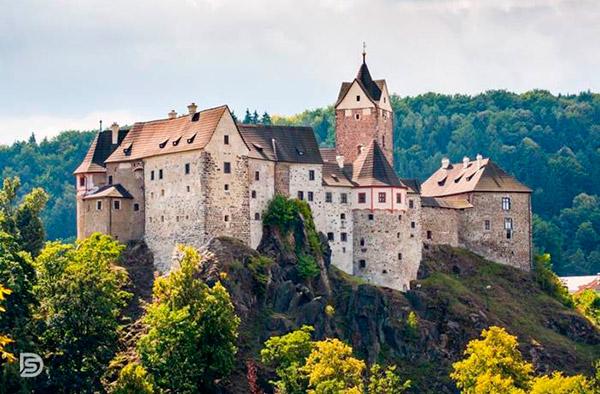 Оздоровительный летний лагерь в Чехии 2019: Прага и Карловы Вары!
